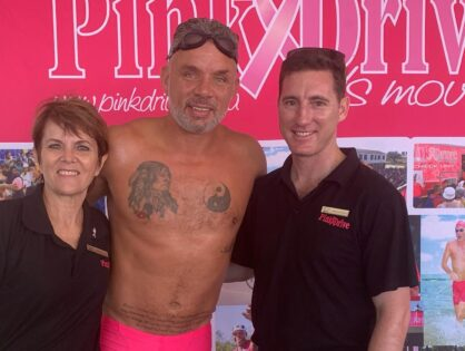 Mark Fish swims Midmar Mile in support of the PinkDrive.